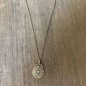 Jewelry - Long pendant necklace